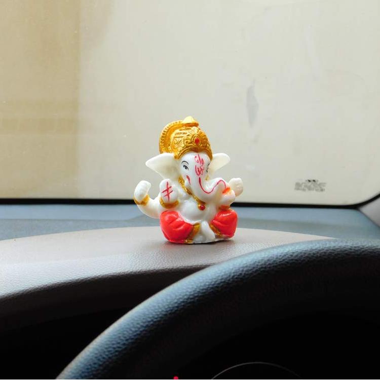 ganpati car dashboard